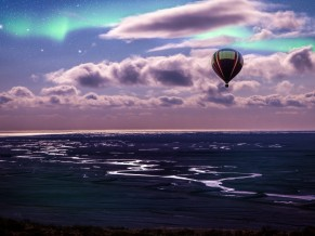 Hot air Balloon Aurora Borealis Scenery 5K