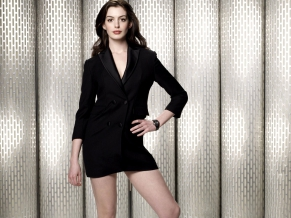 Alice in Wonderl Actress Anne Hathaway