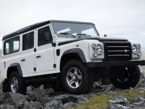 L Rover Defender Fire Ice Editions 3