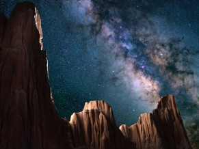 Starry sky Cathedral Gorge State Park 4K